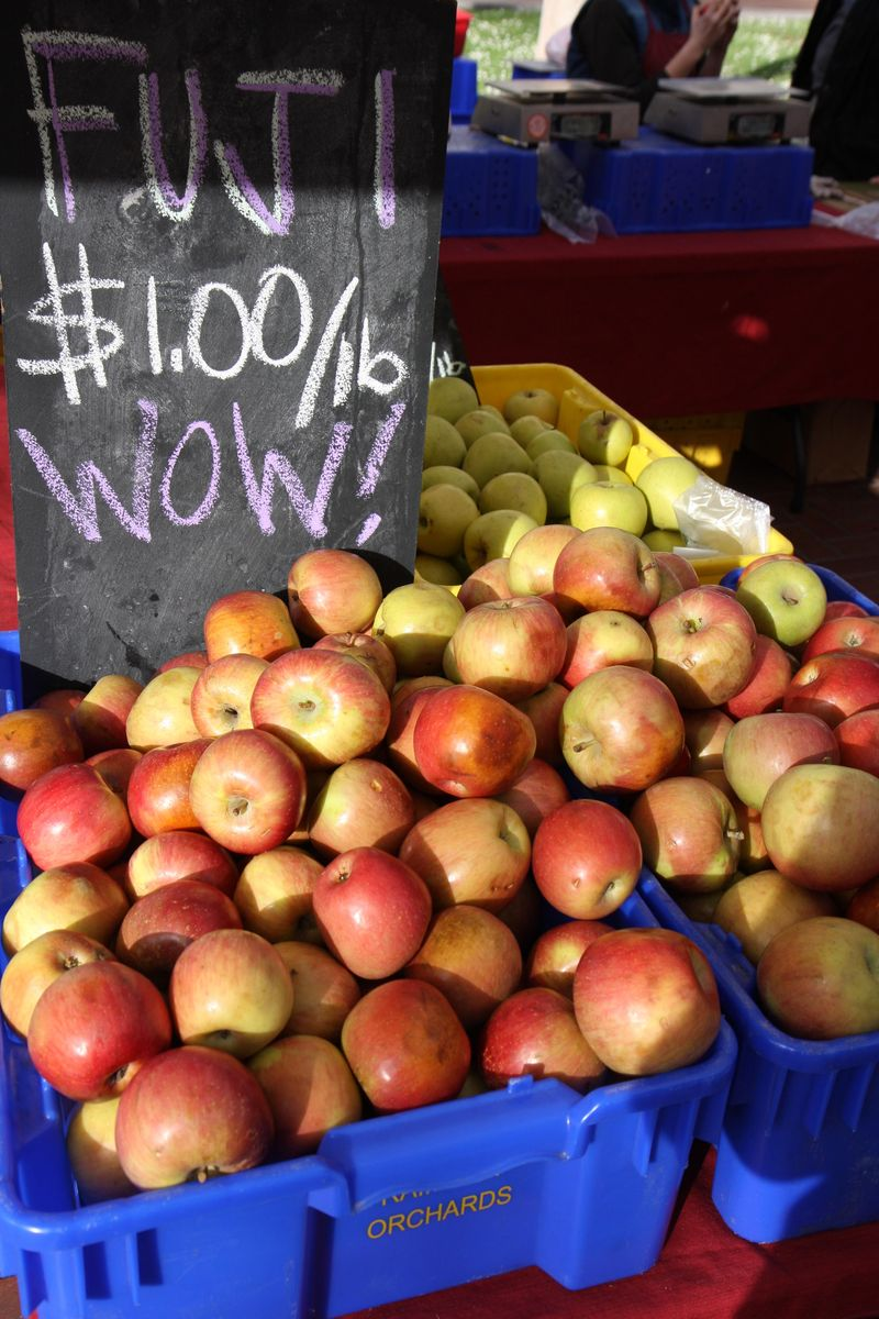 Apples farmers market